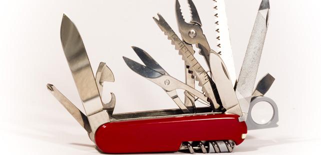L Origine Du Couteau Suisse