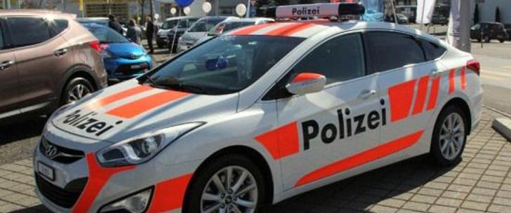 En suisse, vous pouvez louer une fausse voiture de police pour dissuader les cambrioleurs !