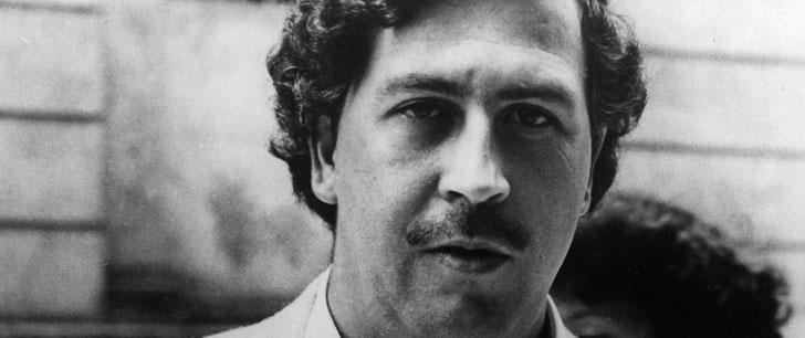 Le cartel de Pablo Escobar dépensait 2500 dollars par mois pour acheter des bandes de caoutchouc afin d'envelopper leur argent !