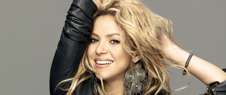 Shakira could not participate in the choir of her school, the teacher told her that she sang like a goat!